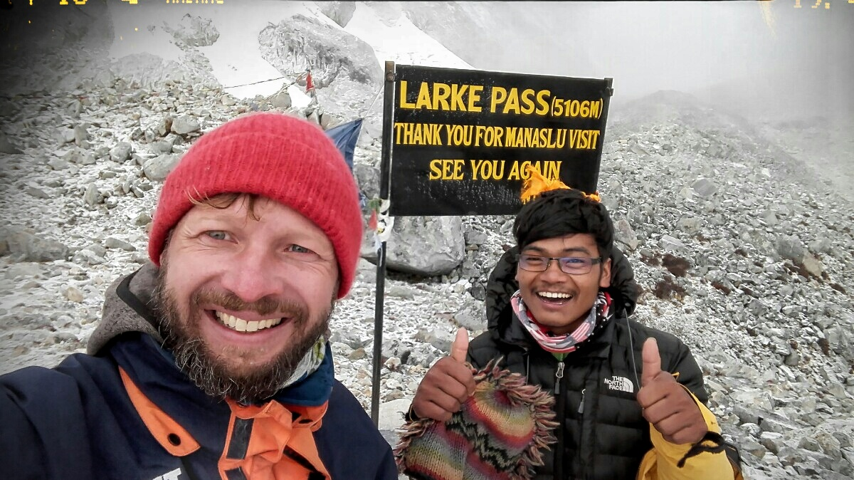 Videonauts backpacking Nepal Manaslu Circuit Larke Pass IV