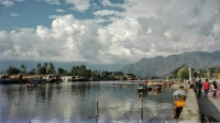 Videonauts backpacking Indien Kashmir Srinagar Dal Lake