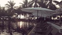 Videonauts Thailand Phuket Ko Phi Phi - Bier, sunset, Strand