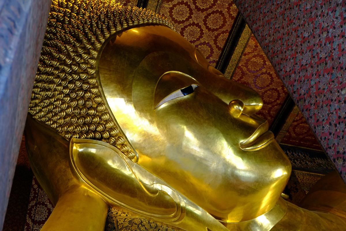 Videonauts Bangkok lying buddha