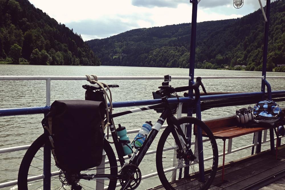 Videonauts Donauradweg Radtour Fähre