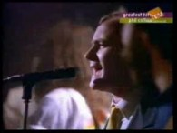 Phil Collins – Sussudio lyrics There's this girl that's been on my mind All the time, Sussusudio oh oh Now she don't even know my name But I think she […]