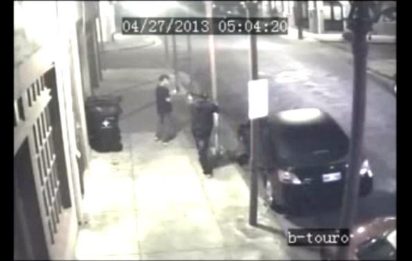 CAM-une-victime-retourne-le-fusil-a-pompe-contre-son-assaillant