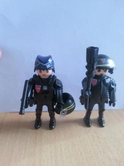 customs-playmobil