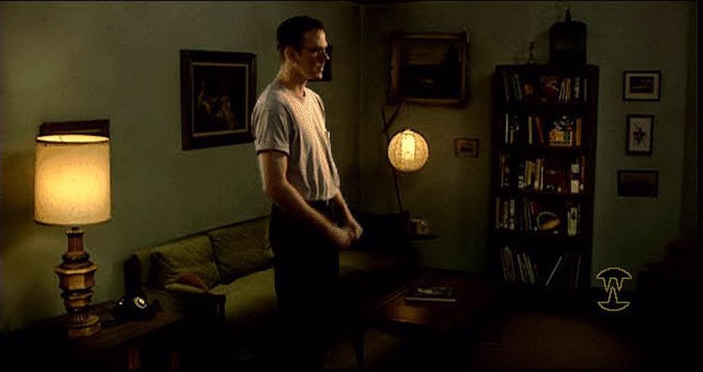 Auch in Craig's Appartment geschehen merkwürdigen Dinge. (Bild: Sierra)