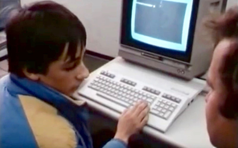 Die erste Berühung mit dem Computer fand nicht selten im Kaufhaus statt. (Bild: Heimcomputer auf dem Vormarsch, BR Dokumentation)