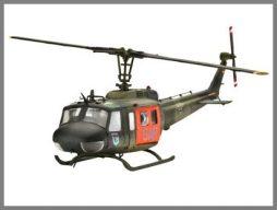 Der Original-Bausatz eines BELL UH-1D SAR war die Vorlage für den Hubschrauber in Zaga. (Bild: Revell)