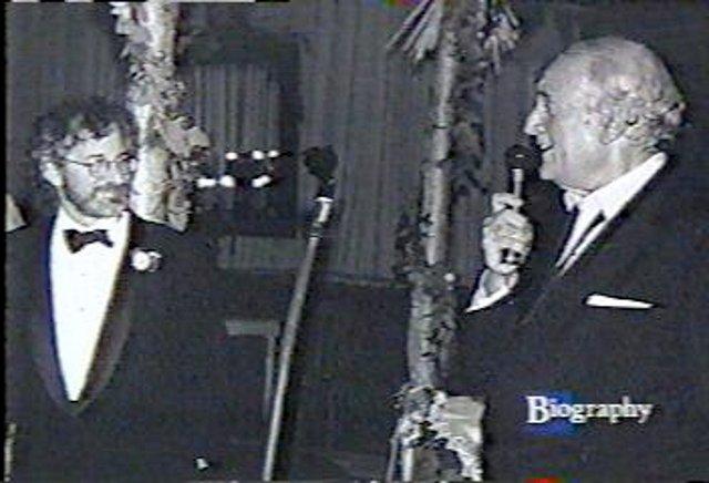 Steve Jay Ross (rechts im Bild) hat 1972 die Firma Warner Communications gegründet. (Bild: Atari)