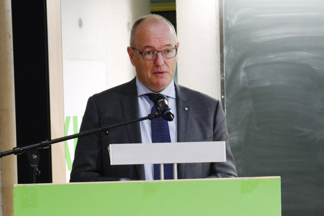 Rektor ved NTNU Gunnar Bovim ved åpningen av NKUL konferansen 2017