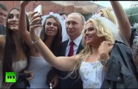 Putin Selfies With Brides During Moscow B-day Celebration