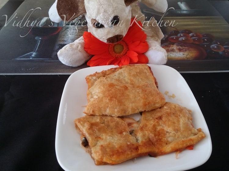 Vegetarian Pizza Puffs