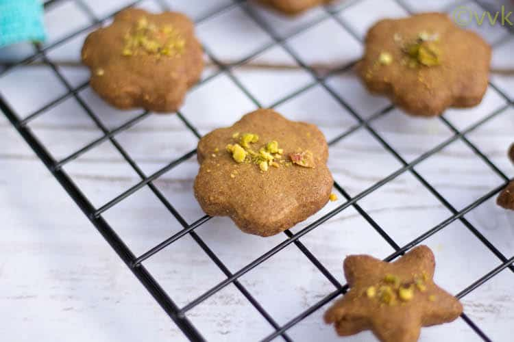 Nan-E Nokhodchi | Persian Chick Pea Cookie with Cardamom and Pistachios