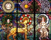 Fabricación de vidrieras de plomo con motivos religiosos