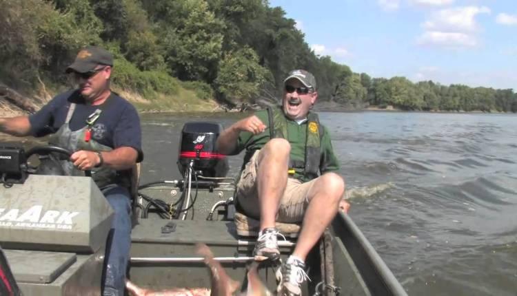 Amazing Automatic Fishing in Lake