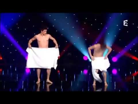 Amazing Towel Dance By Hawaii Performers