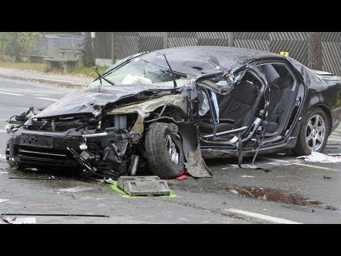 Bad Car Crashes – Caught On Traffic Cam