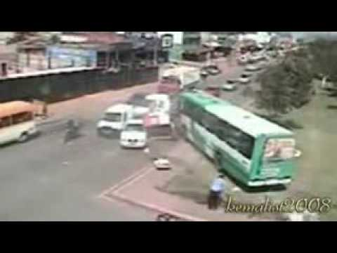 Car Crashes – Caught On Traffic Cam
