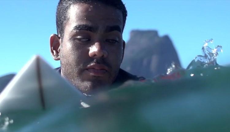 Inspiring Story Of Blind Surfer
