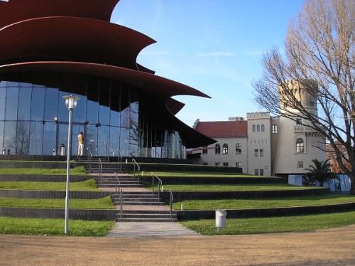 Hans-Otto-Theater in der Schiffsbauergasse