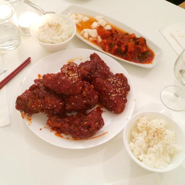 Spicy Fried Chicken als Hauptspeise beim Secret Vienna Supper Club