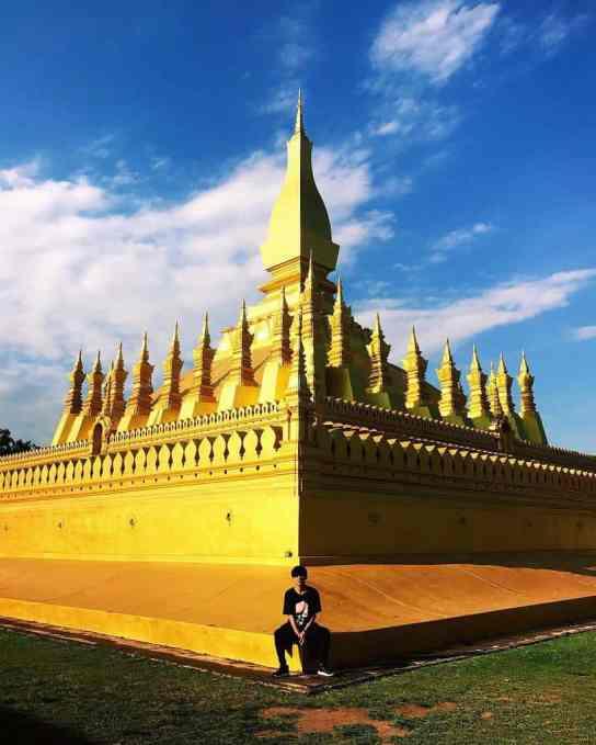 Vẻ đẹp dát vàng của Pha That Luong.
