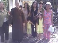 Ngày 13-8-2008, Sư Bình, Kim Thu cùng dân oan bị côn an Thủ Đô hốt lên xe trước văn phòng Thủ tướng số 1, Bách Thảo, Ba Đình, Hà Nội. Sư Bình cùng mọi người bị đánh tơi tả, Kim Thu bị cướp máy ảnh.
