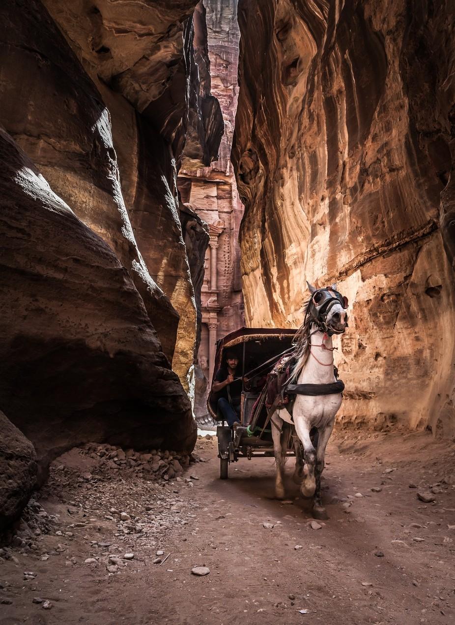 De koerier van TomerE - Fotowedstrijd met unieke locaties