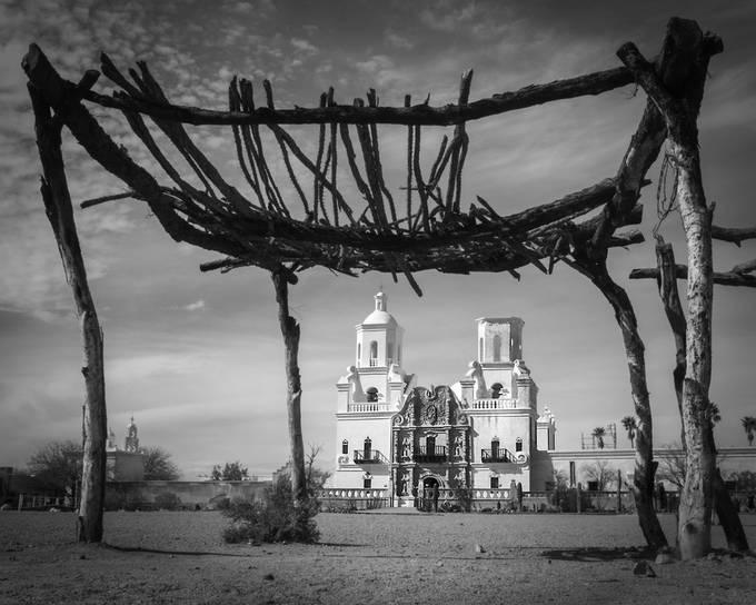 San Xavier Mission door EvaBareis - Unieke locaties fotowedstrijd