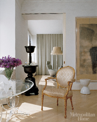 02-see-through-acrylic-furniture