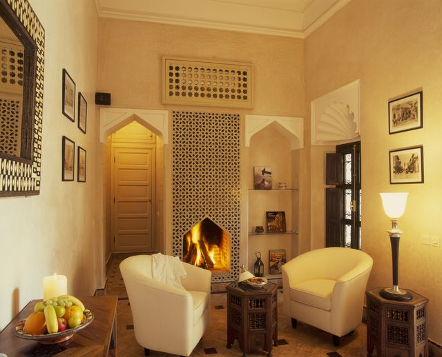 room_deluxe_casablanca_fireplace
