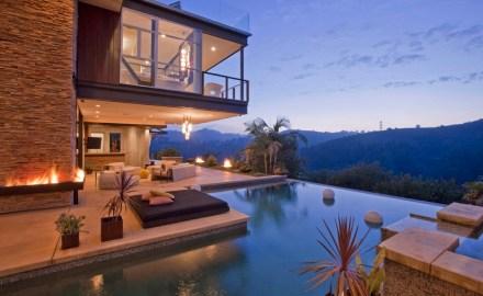 Ashton_Kutcher_Hollywood_House-03