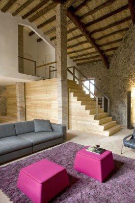 Modern_decor_in_a_rural_residence-04