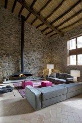 Modern_decor_in_a_rural_residence-05