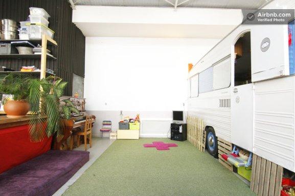 caravan_in_the_studio-0