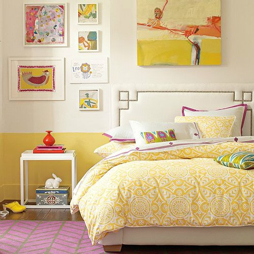 yellow-orange-wall-bedroom-yellow-bedding-vintage-fun-retro-mod-unique-color-combination-teen-decor-white-wall-spring-summer-idea-colorful-fun-elegant
