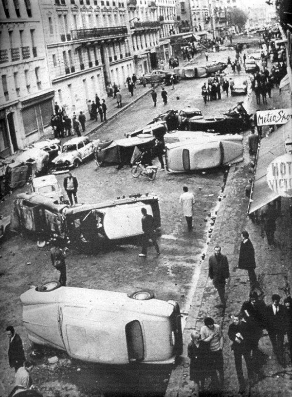 1968_car barricades