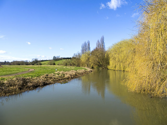 River Ouse behind Linford Lakes Nature Reserve
