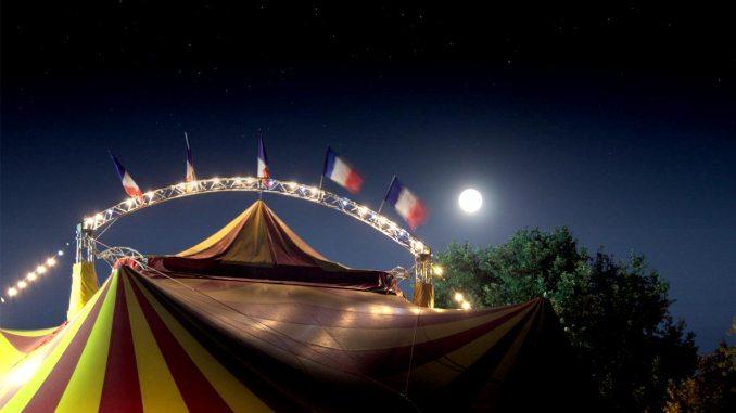 Η νύχτα πια θυμίζει τσίρκο