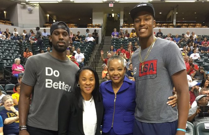 Alex Poythress with Dawn Staley, WNBA President Lisa Borders, and Myles Turner. [Photo: @WNBAPrez]