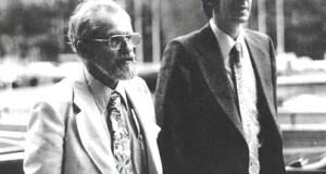 Jacques Vallée, à direita