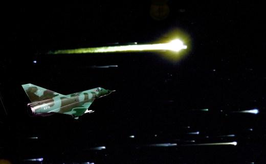 Conversas entre pilotos de caças e controladores de vôo durante noite oficial dos OVNIs foi liberada (Foto montagem)