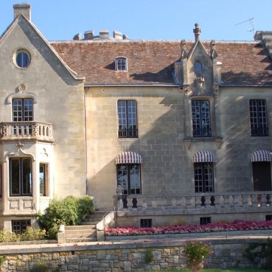 castle on sale Bordeaux