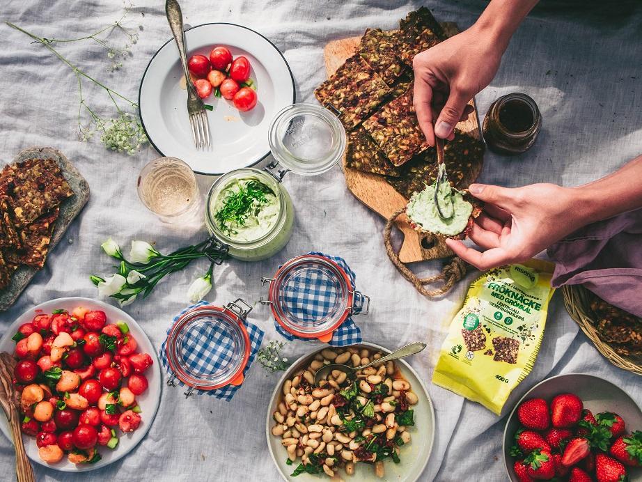Kesäiset piknikeväät (V, GF)