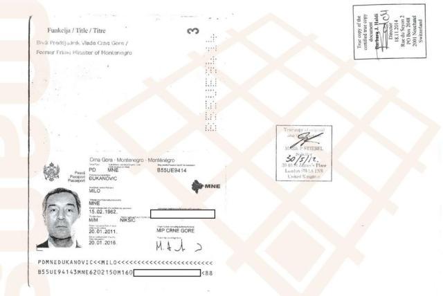 Kopija diplomatskog pasoša Mila Đukanovića