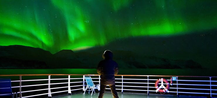 northern-light-cruise-hurtigruten-norway
