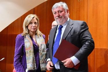 La vicepresidenta del Govern, Joana Ortega i l'alcalde de Pau, Josep Blanch