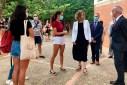 La consellera Àngels Chacón visita a l'IES Cap Norfeu de Roses en l'últim dia d'exàmens de la PAU 2020