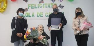 Dolors Pagès rep la Medalla Centenària