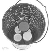 Lanterna de metal da Notneutral cista de cima