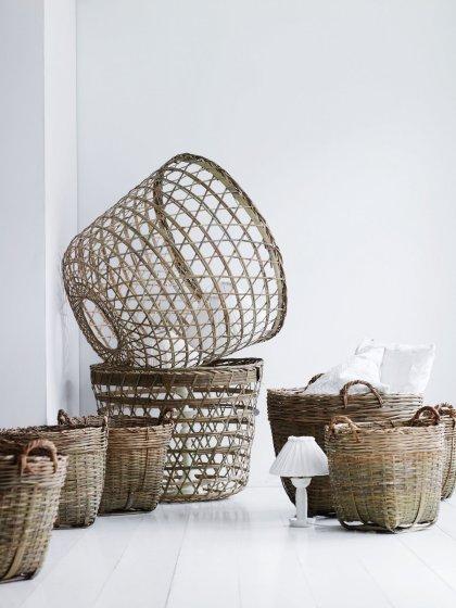 Cestarias de fibras diversas, do utilitário para a decoração